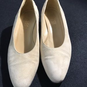 Gucci beige suede leather women , size 39B/9